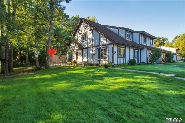 Property for sale at 240 Juniper Ct, Middle Island,  NY 11953