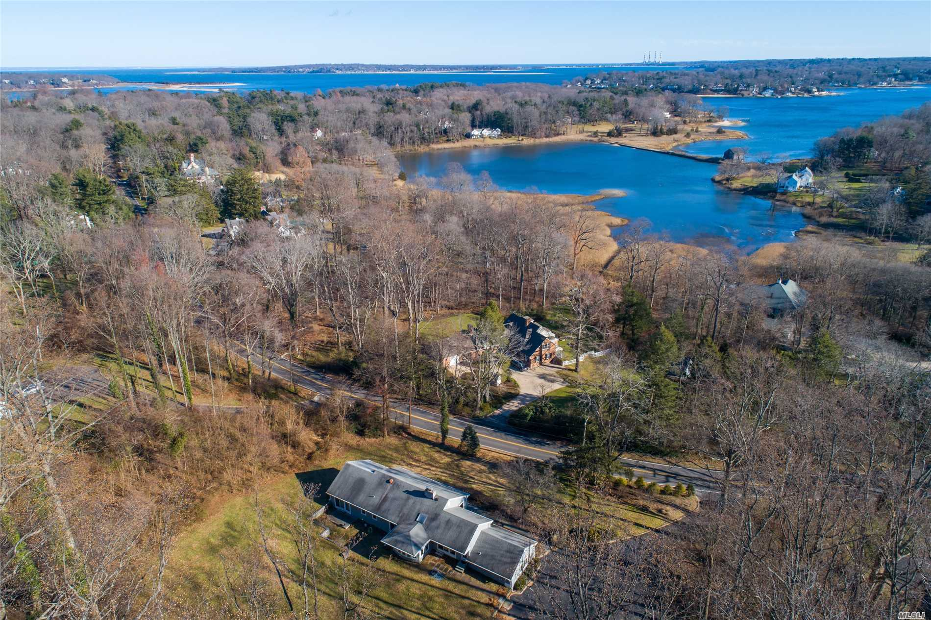 Photo of home for sale at 270 Southdown Rd, Lloyd Harbor NY