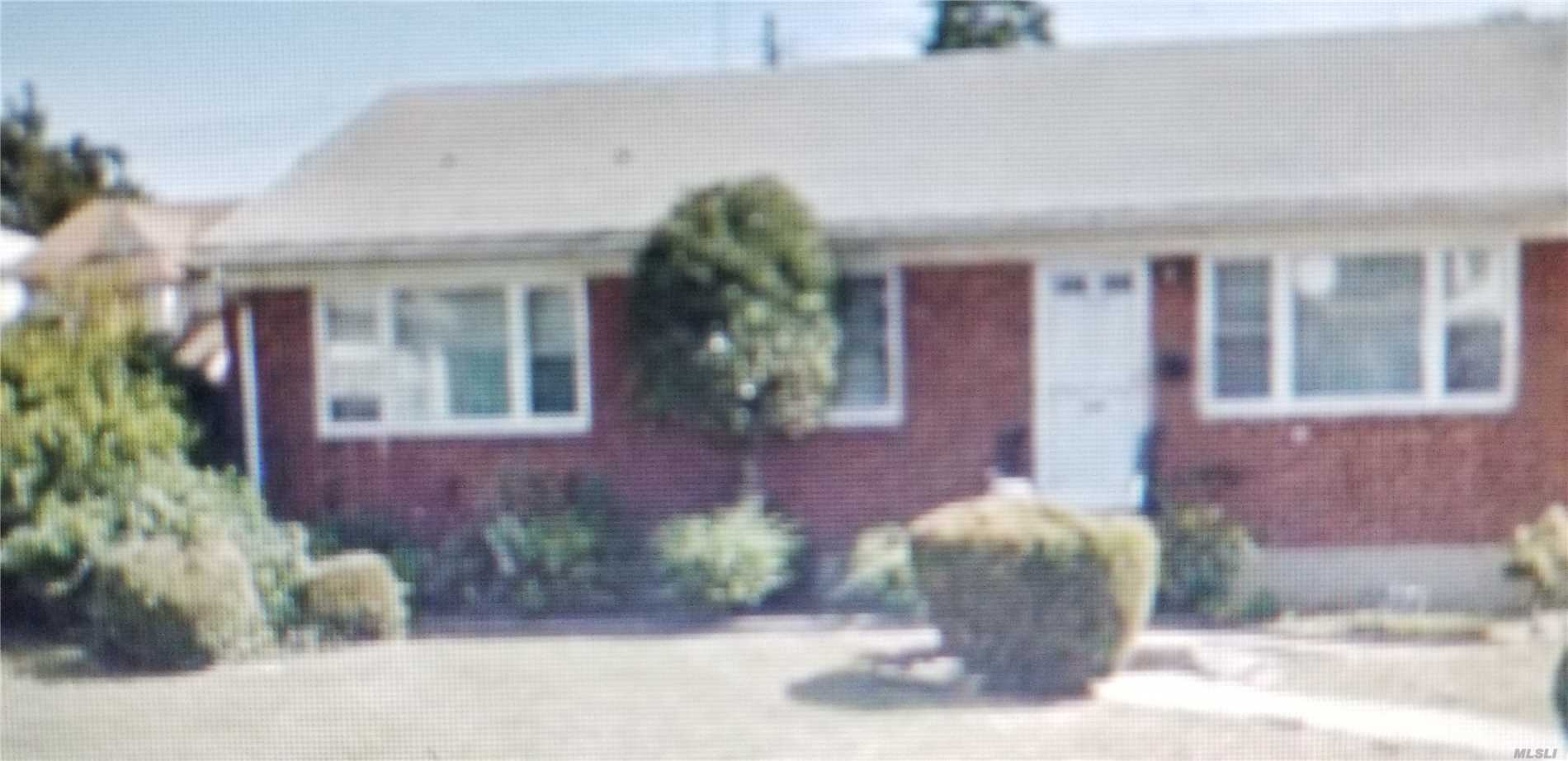 Photo of home for sale at 110-25 217th St, Queens Village NY