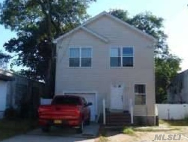 Photo of home for sale at 209 Babylon Tpke, Roosevelt NY