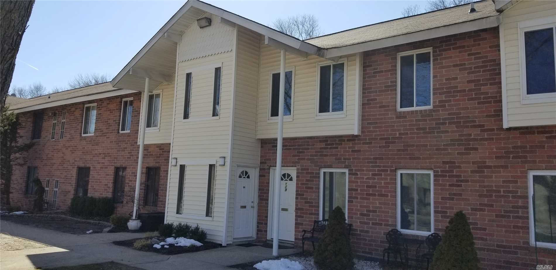 Photo of home for sale at 20 Houston Ct, Coram NY