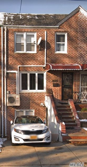 Photo of home for sale at 70-04 165th St, Flushing NY