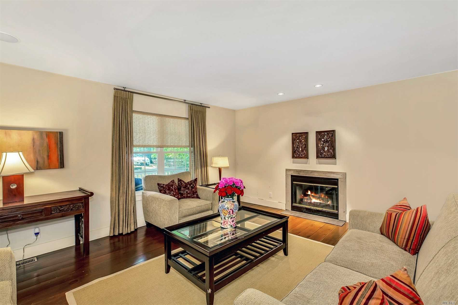 Photo of home for sale at 19 Kingstown Avenue, East Hampton NY