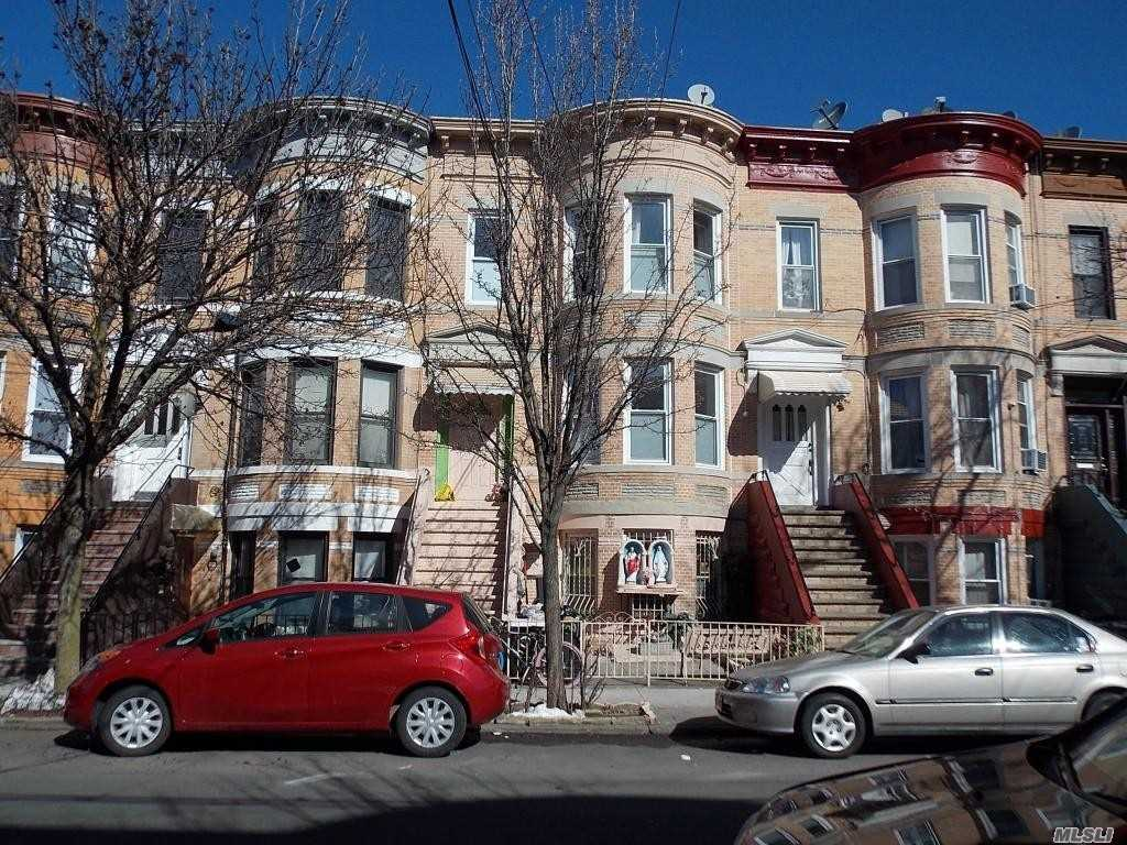 Photo of home for sale at 60-91 70 Ave, Ridgewood NY