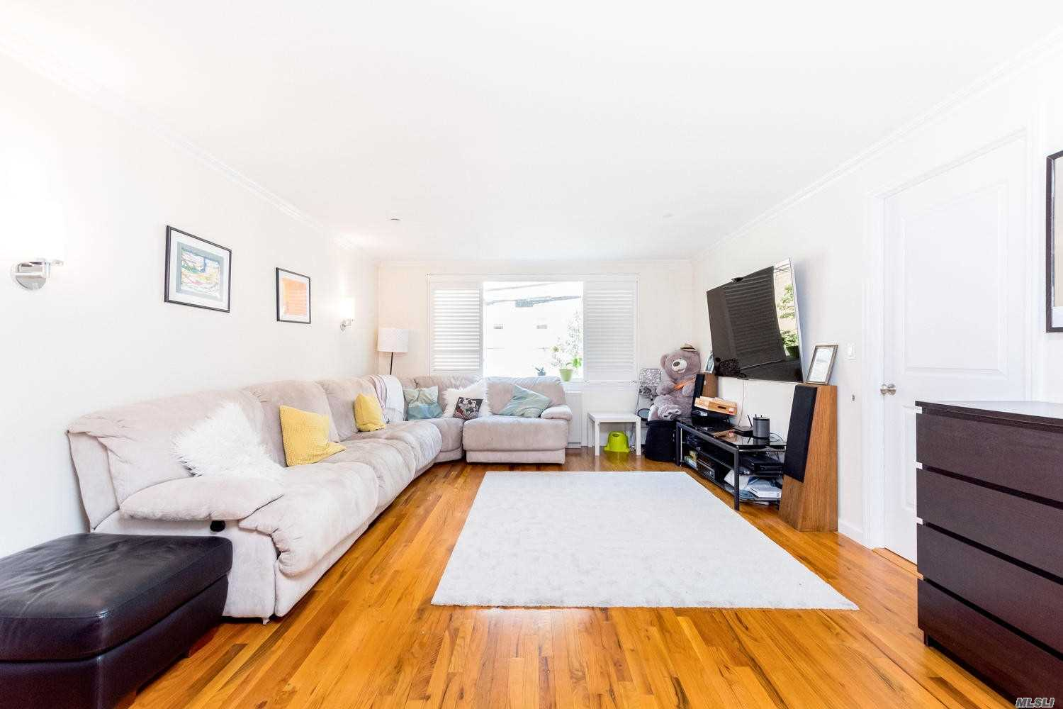 Photo of home for sale at 3800 Blackstone, Bronx NY