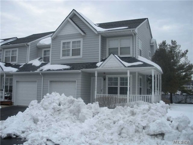 Property for sale at 32 Pleasantview Dr, Central Islip,  NY 11722