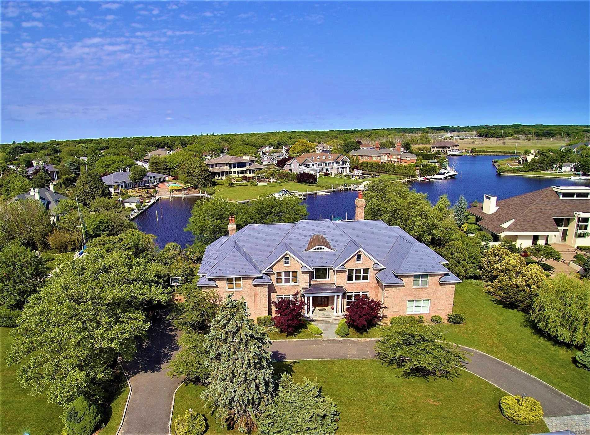 Photo of home for sale at 126 The Helm, East Islip NY