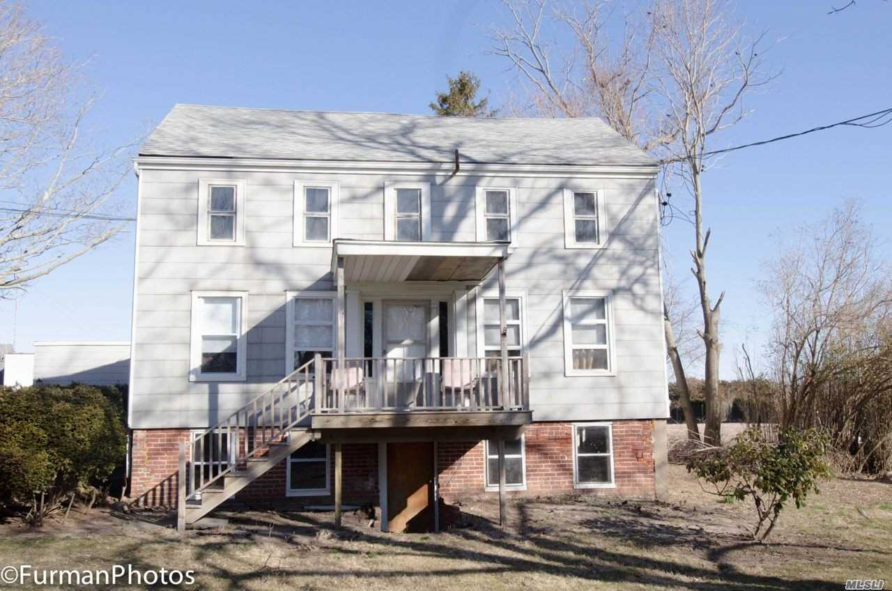 Photo of home for sale at 5152 Sound Ave, Riverhead NY