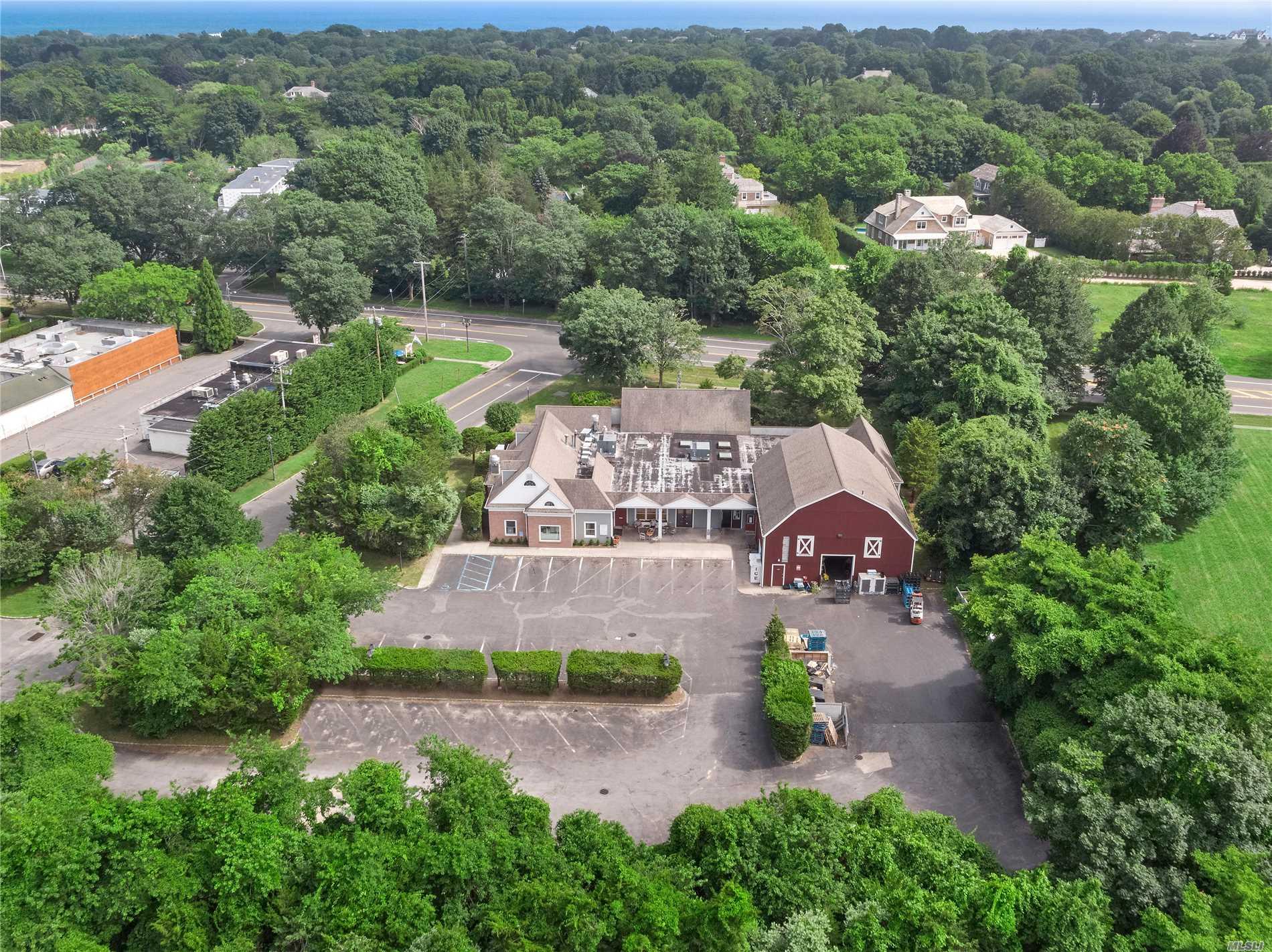Photo of home for sale at 100 Pantigo Pl, East Hampton NY