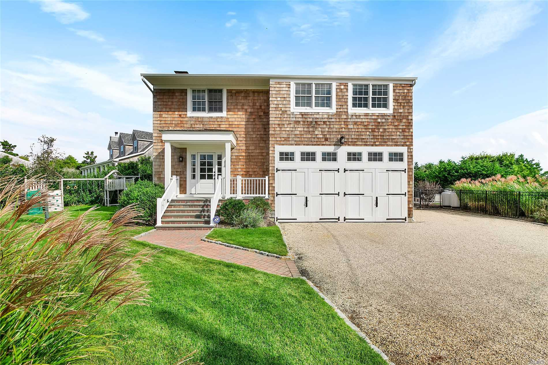 Photo of home for sale at 25 Exchange Pl, Westhampton Bch NY