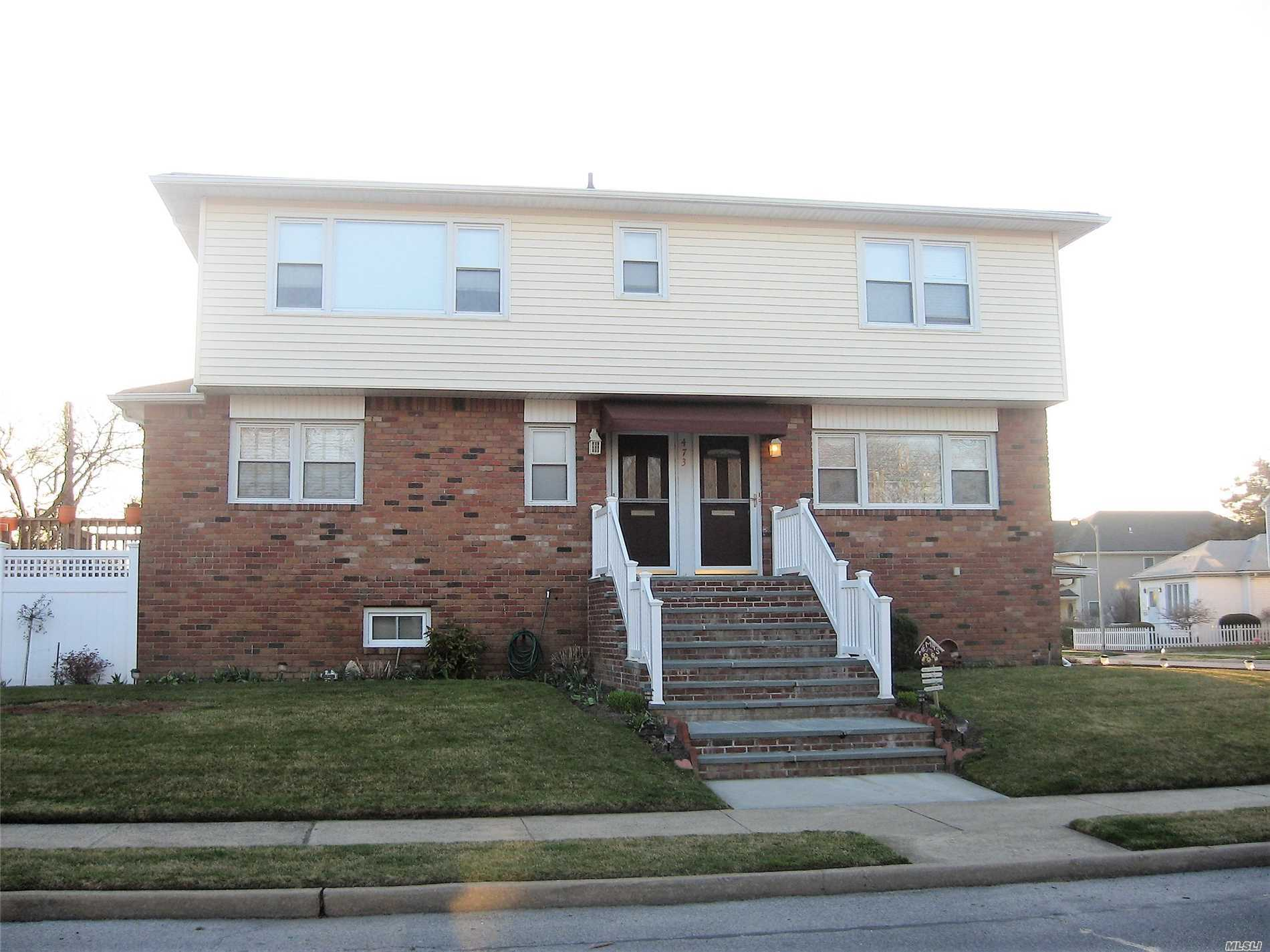Photo of home for sale at 473 Franklin Blvd, Long Beach NY