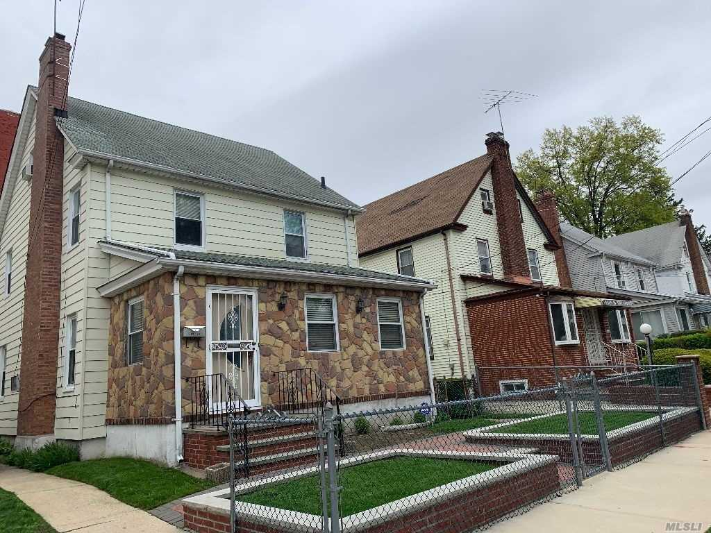 Property for sale at 104-24 196 St, St. Albans,  New York 11412