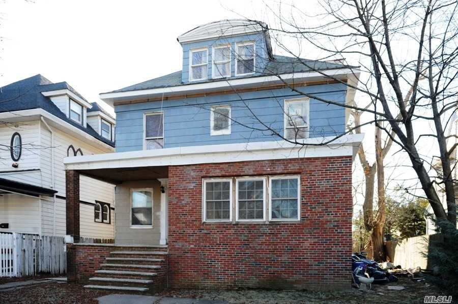 Photo of home for sale at 1316 Beverley Rd, Brooklyn NY
