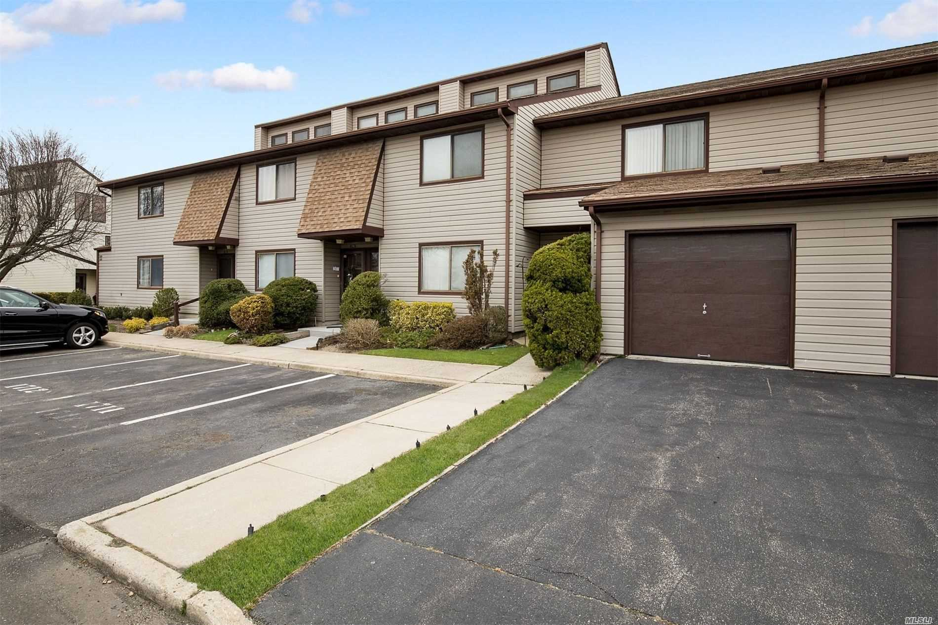 Property for sale at 100 Daly Blvd Unit 1710, Oceanside,  New York 11572