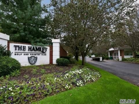 Property for sale at 7 Hamlet Dr, Commack,  New York 11725
