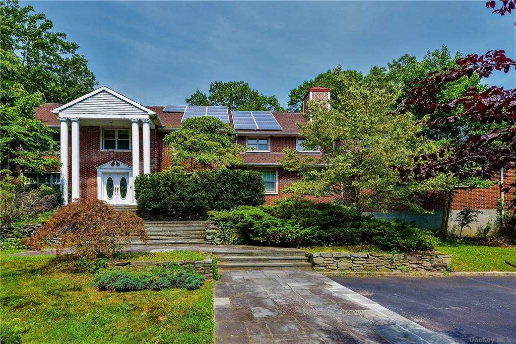 Property for sale at Oyster Bay Cove,  New York 11771