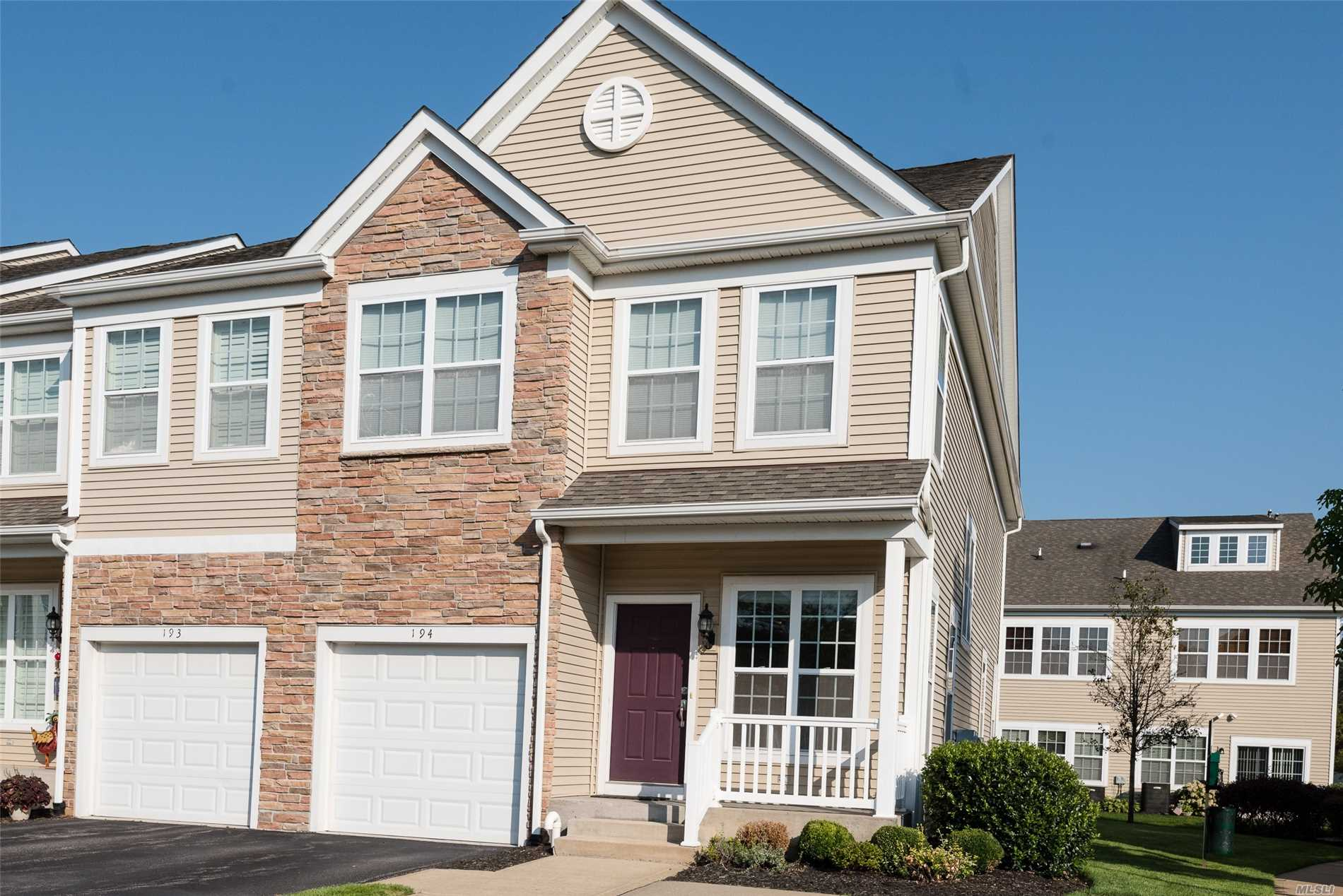 Property for sale at 194 Somerset Dr, Massapequa,  NY 11758