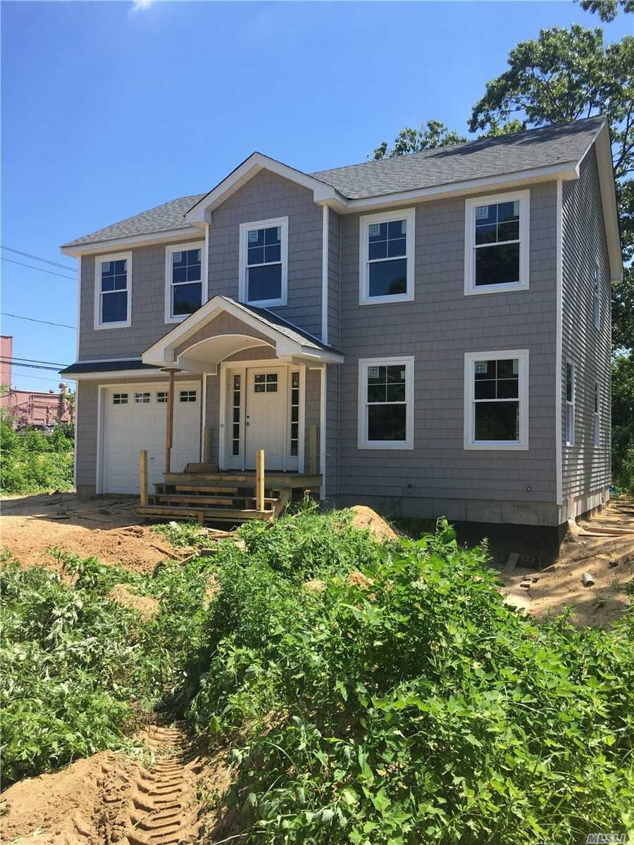 Photo of home for sale at 15 Comet Pl, Patchogue NY
