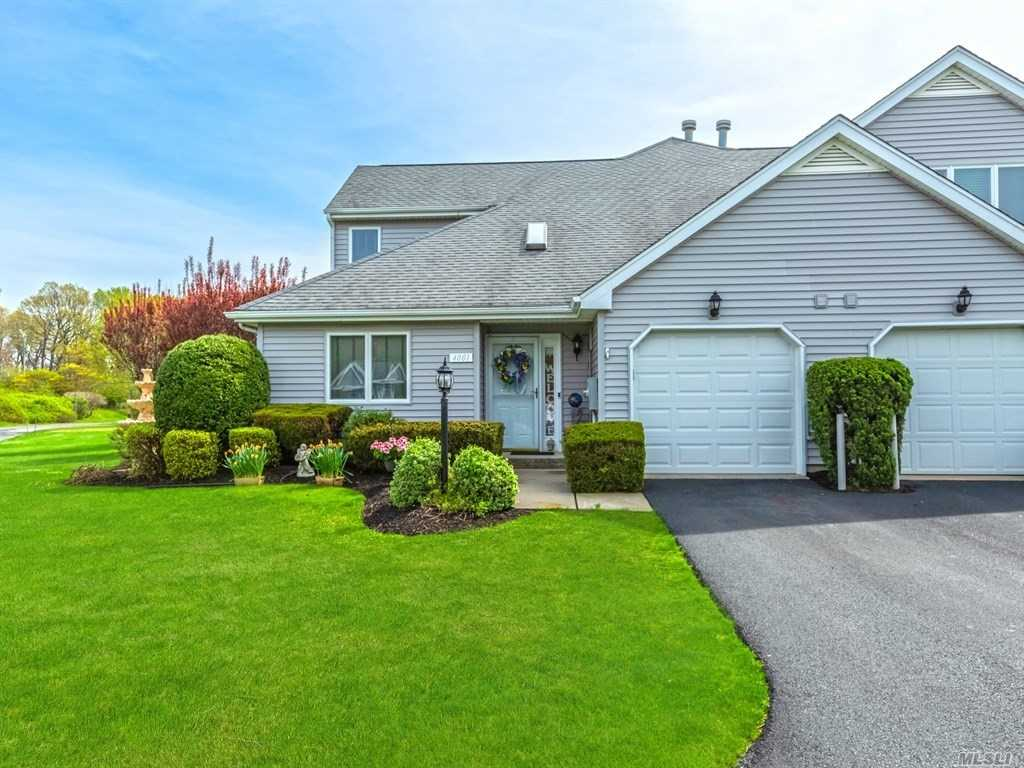 Property for sale at 4001 The Fairway, Baiting Hollow,  NY 11933