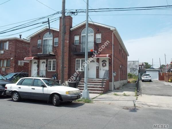 Photo of home for sale at 60-10 61st St, Maspeth NY