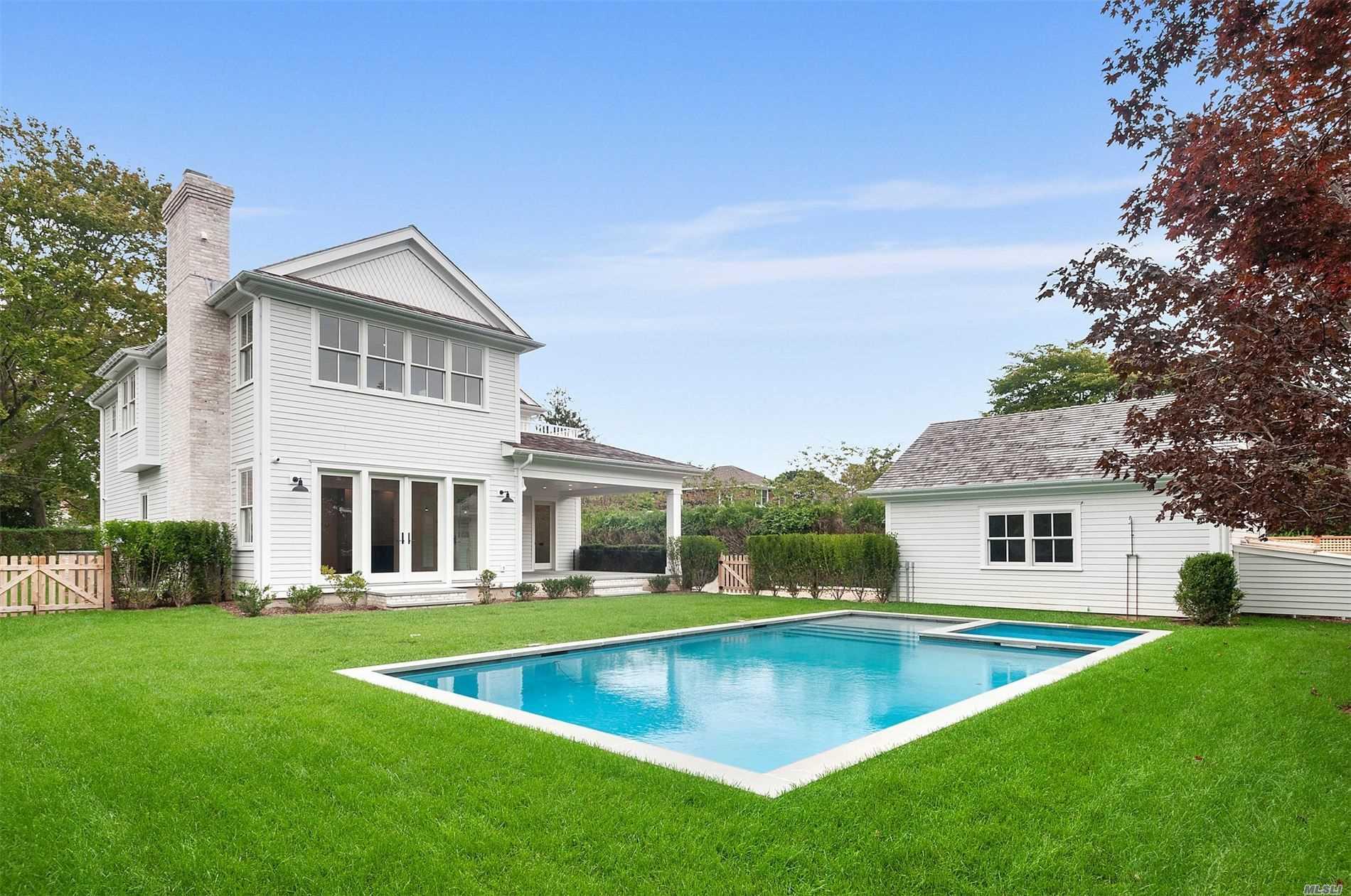 Photo of home for sale at 120 Pelletreau St, Southampton NY