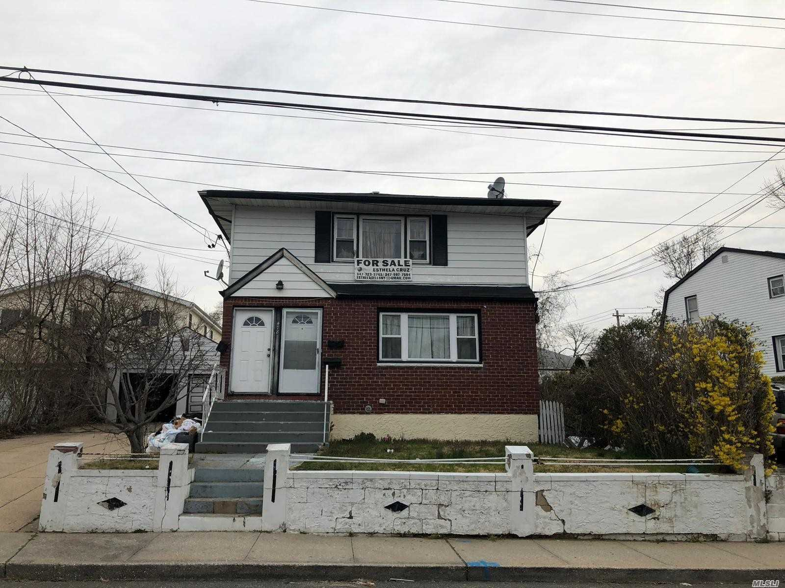 Property for sale at 478 Louis Ave, Floral Park,  New York 11001
