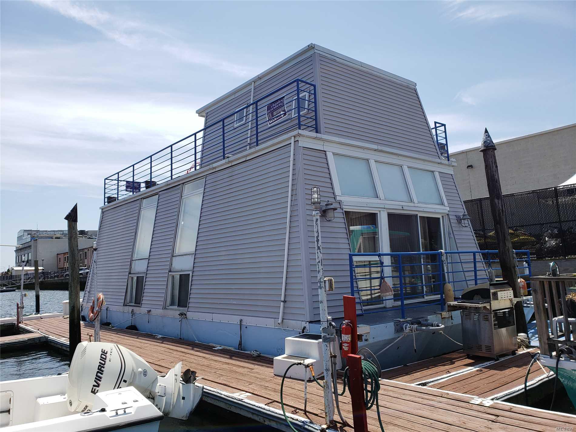 Photo of home for sale at 16345-5 Cross Bay Blvd, Howard Beach NY