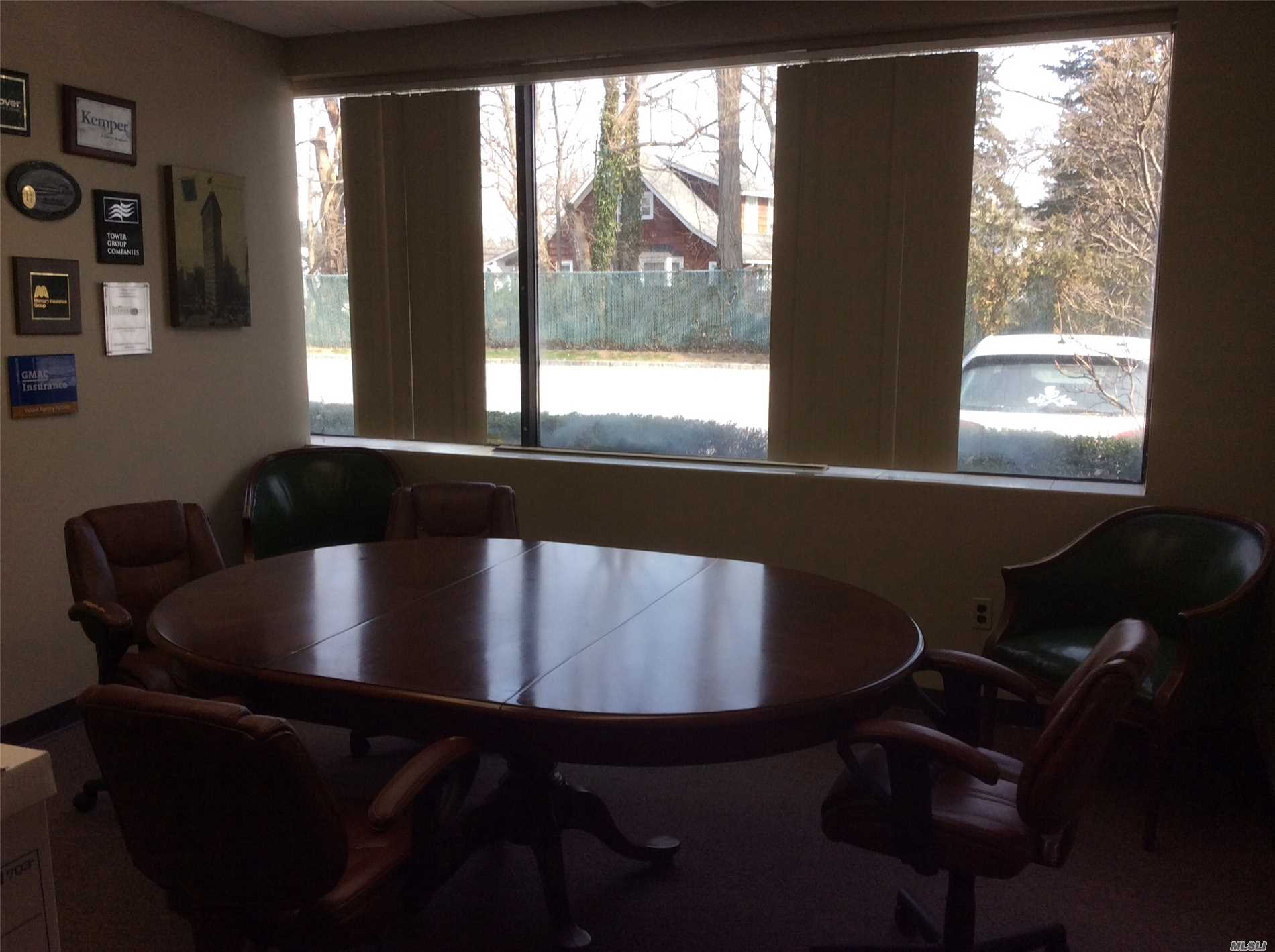 Photo of home for sale at 400 Townline Rd, Hauppauge NY