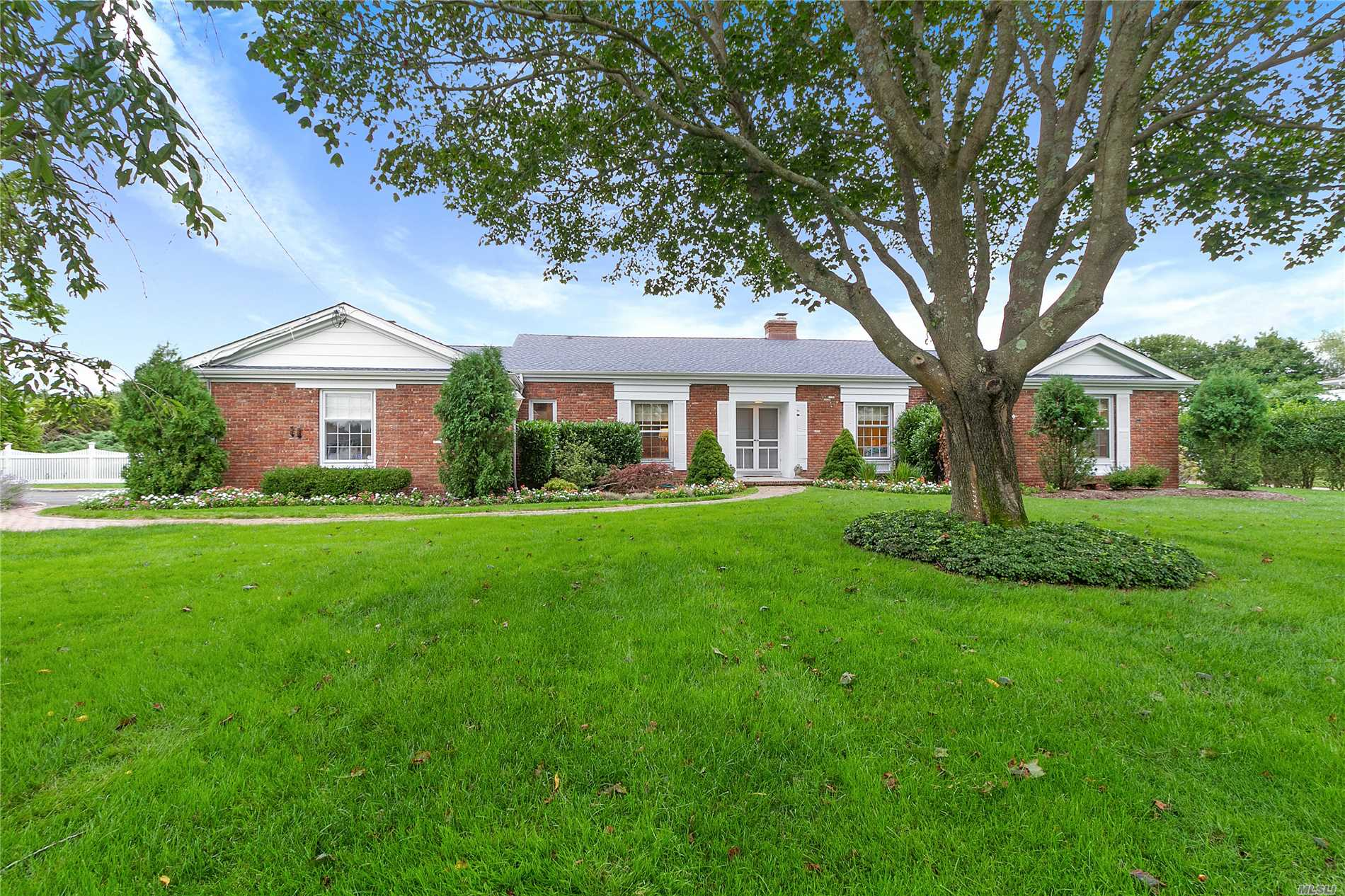 Photo of home for sale at 64 Bayfield Ln, Westhampton Bch NY