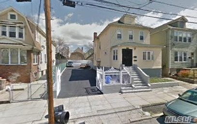 Photo of home for sale at 4516 Monticello, Bronx NY