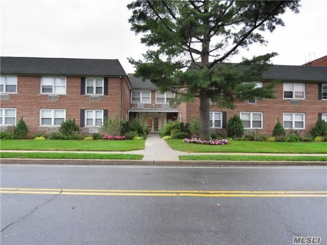 Property for sale at 130 S Park, Rockville Centre,  NY 11570