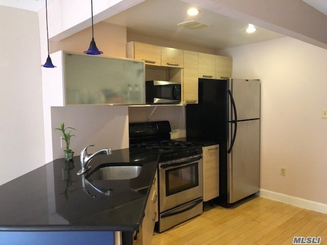 Photo of home for sale at 83-75 117 St, Kew Gardens NY