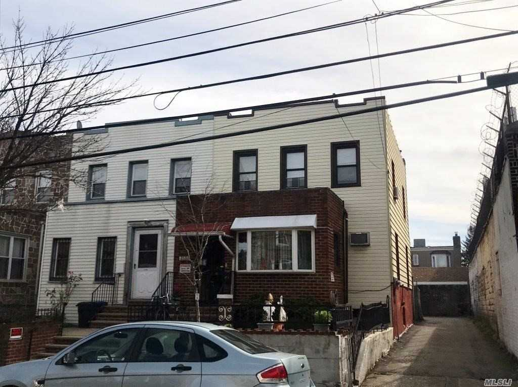 Photo of home for sale at 21-71 37th St, Astoria NY