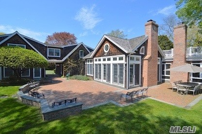 Photo of home for sale at 8 Aspatuck Rd, Westhampton Bch NY