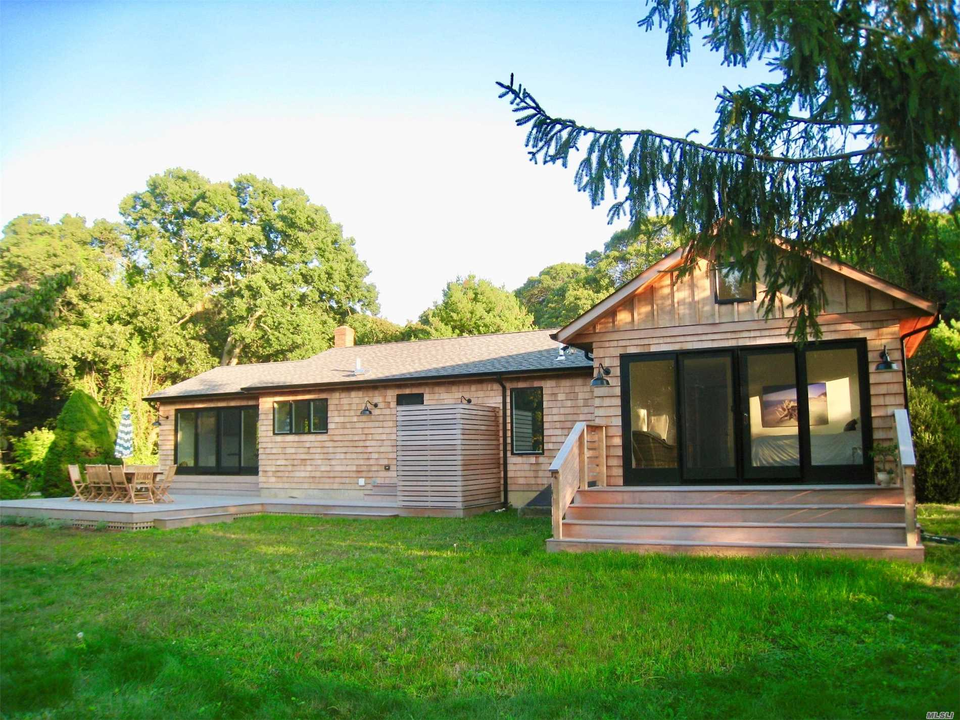 Photo of home for sale at 5135 Indian Neck Ln, Peconic NY
