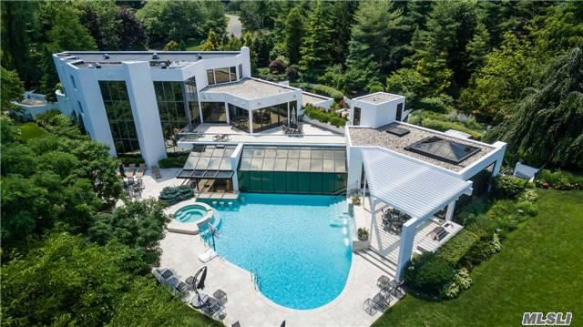 Photo of home for sale at Longwood Rd, Sands Point NY