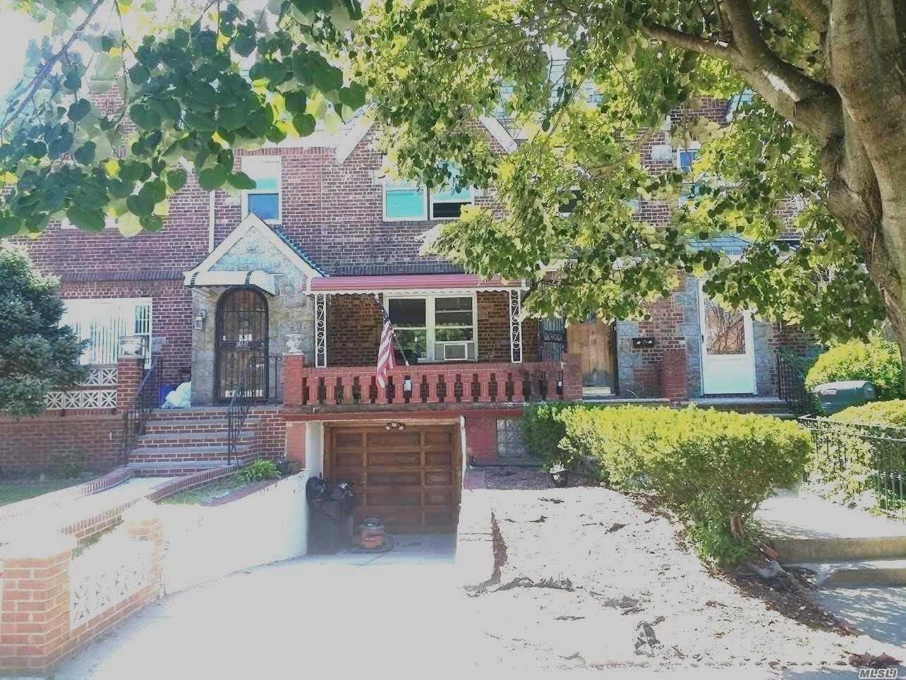 Photo of home for sale at 83-18 77 Ave, Glendale NY