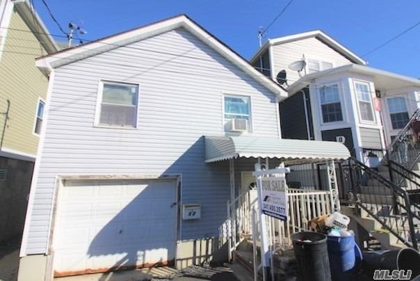 Photo of home for sale at 17 12Th Rd W, Broad Channel NY
