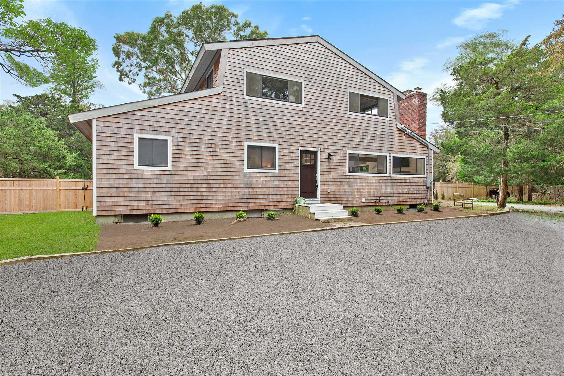 Photo of home for sale at 76 Manor Ln S, East Hampton NY