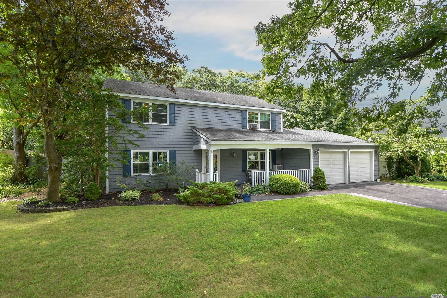 Photo of home for sale at 67 Barker Dr, Stony Brook NY