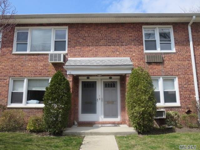 Property for sale at 1600 Grand Ave, Baldwin,  NY 11510