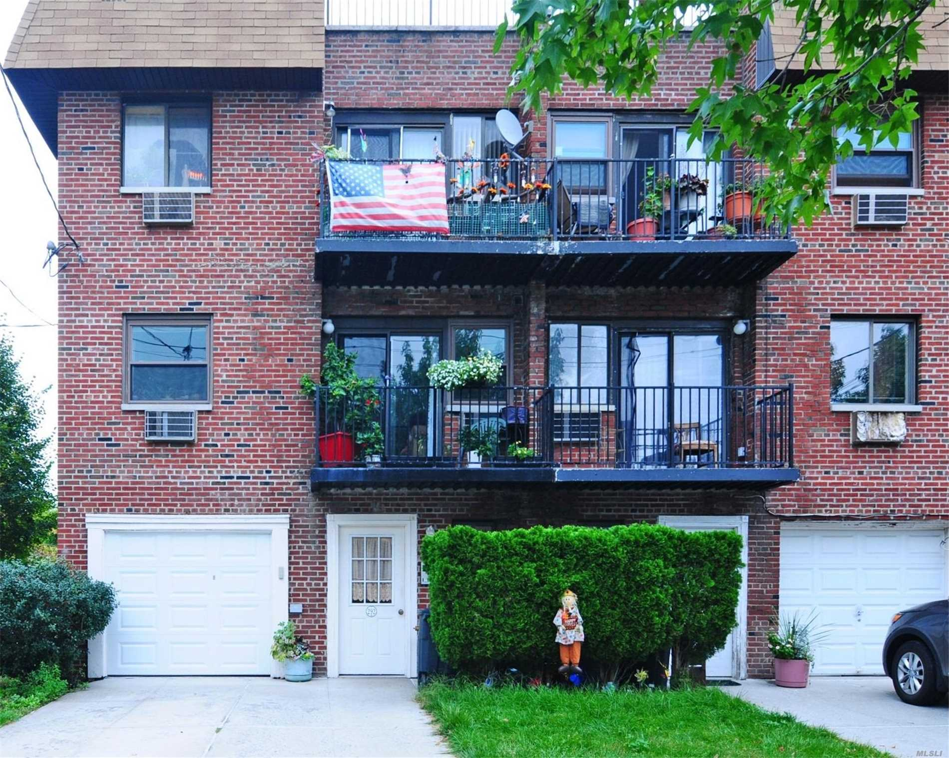 Photo of home for sale at 292 Buttrick Ave, Bronx NY