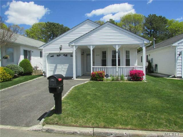 Photo of home for sale at 5170 Village Cir, Manorville NY