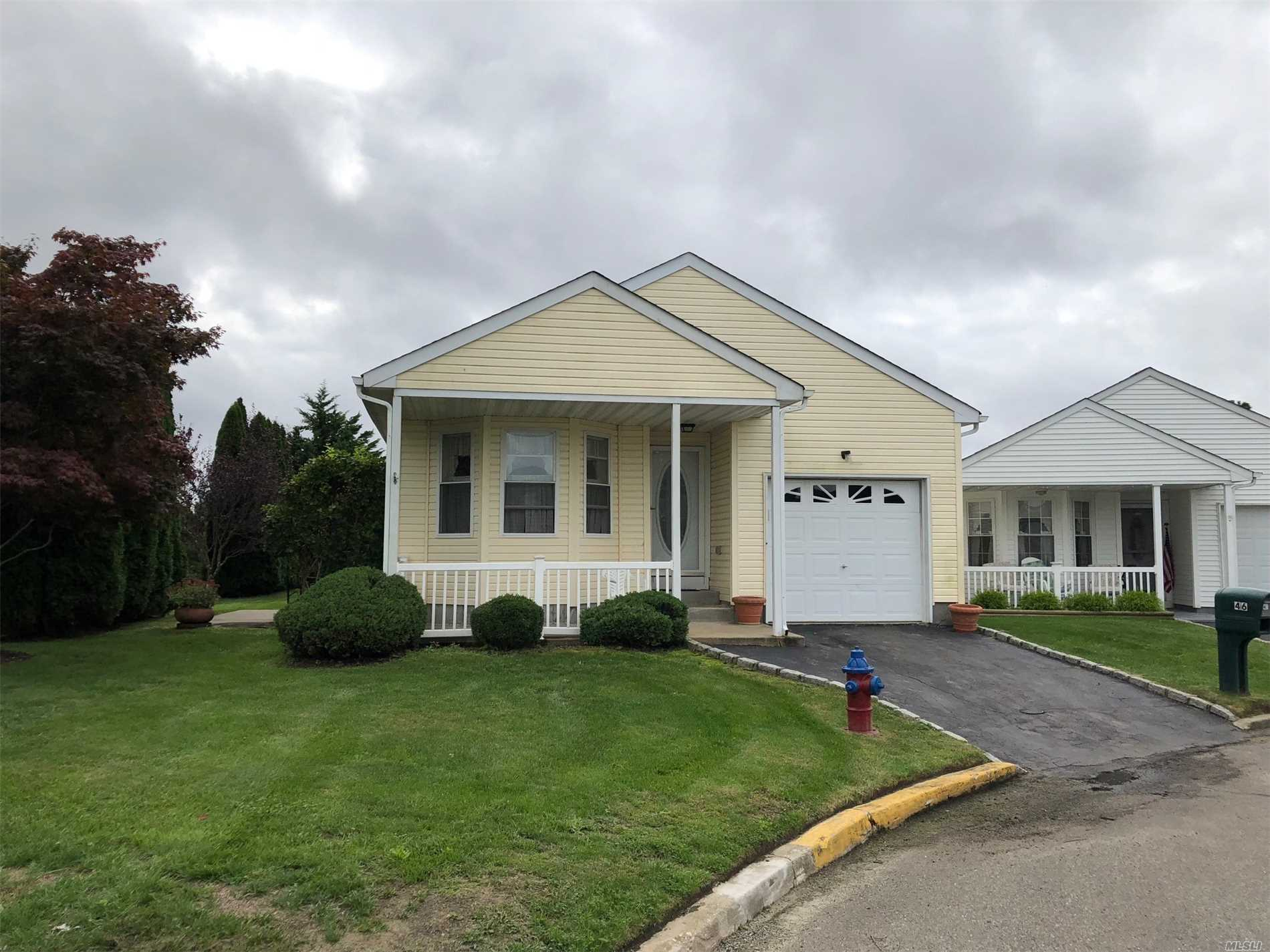 Property for sale at 46 Willow Ct, Manorville,  NY 11949