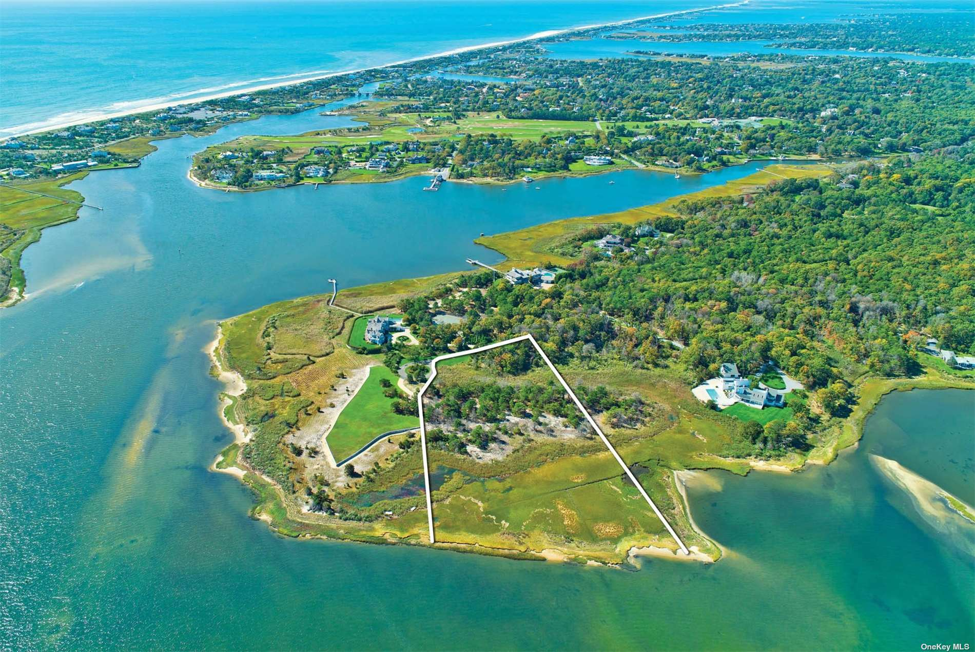 Photo of home for sale at 38 Second Neck Ln, Quogue NY