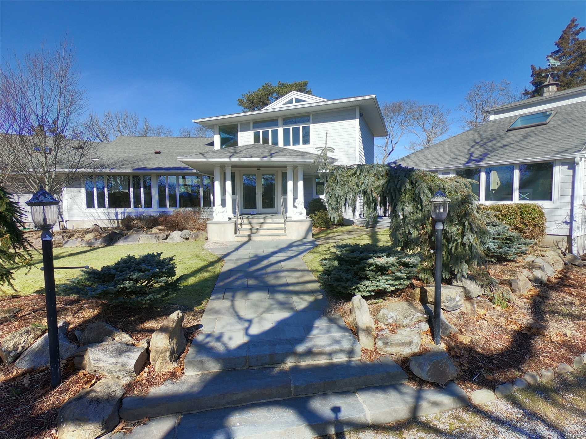 Photo of home for sale at 9 Duckwood Ln, Hampton Bays NY