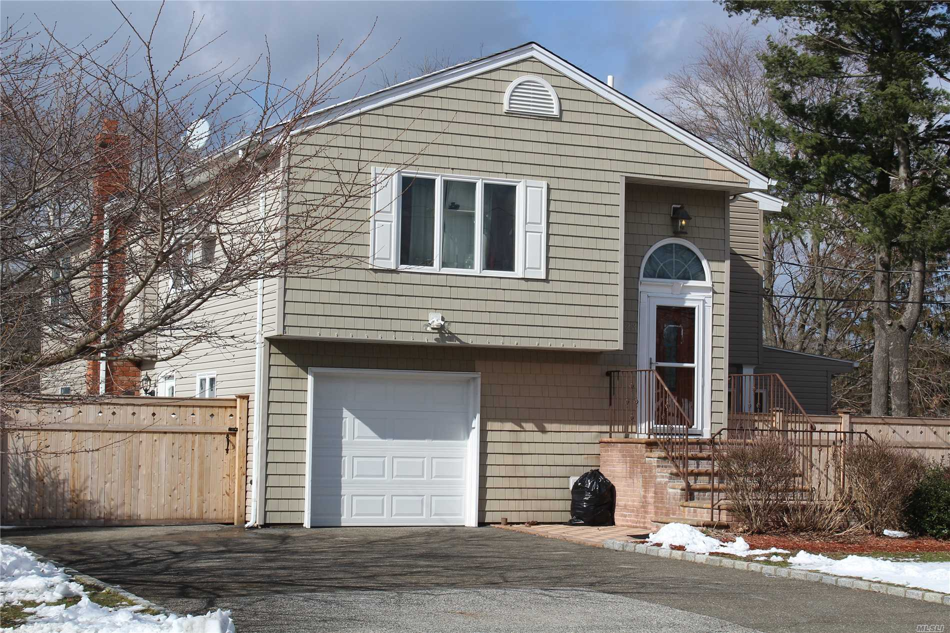 Photo of home for sale at 223 Ocean Ave, Brentwood NY
