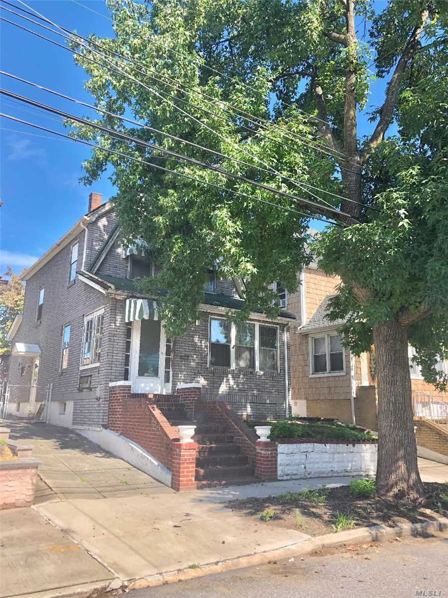 Photo of home for sale at 171-33 Bagley Ave, Flushing NY