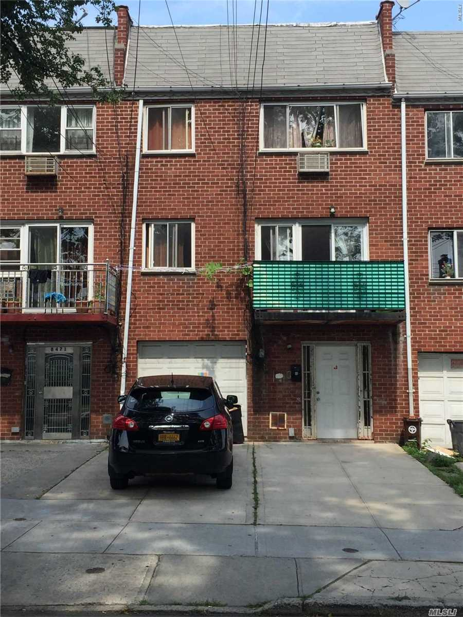 Photo of home for sale at 84-73 168 Pl, Jamaica Hills NY
