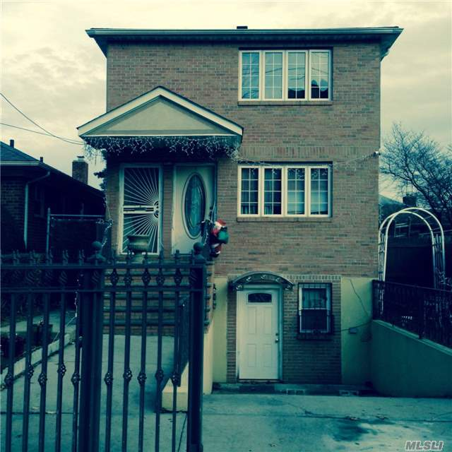 Photo of home for sale at 69-35 164 St, Fresh Meadows NY